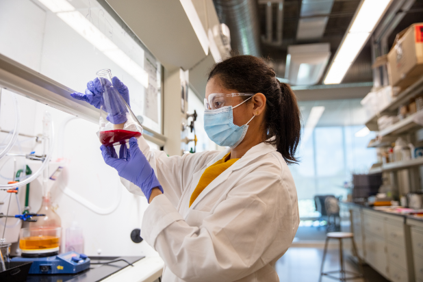 master of materials chemistry and engineering femalestudent in lab